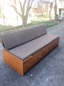 Teak trundle/couch with drawers