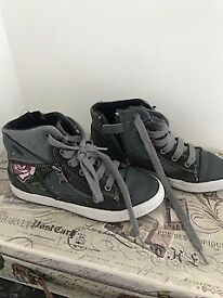 GREY LEATHER GEOX BOOTS / SHOES / TRAINERS SIZE 1.5