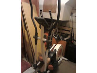 REBOK PROFESSIONAL CROSS TRAINER