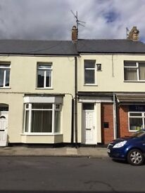 4 Bed mid Terrace House to Let