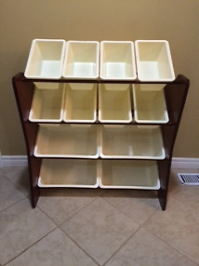 Storage Unit with removable bins