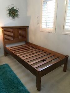 Bombay Kids Solid Wood Bed