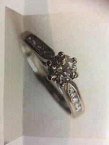 engagement ring - hardly worn Halls Head Mandurah Area Preview