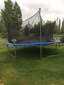 Trampoline FOR SALE< LOOKING, WANTED,