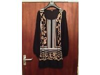 Gorgeous ladies Star Julienne McDonald top - New - worn once