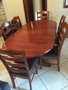 6-8 SEATER TIMBER DINING TABLE Granville Parramatta Area Preview