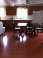 STE-THÉRÈSE: Duplex, grand 5 1/2 + salle de lavage