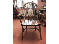 Country windsor wheel back carver chairs