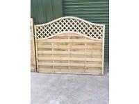Latticed6ft wide & 4ft high fence panel, and latticed gate 460cm x 62cm. Good con.