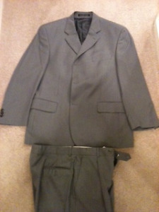 """100% """"NEW WOOL"""" SUIT -- GREY 2 PIECE -- USED ONCE"""