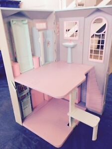 Collapsable Barbie House