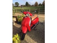 Lexmoto Vienna 50cc retro style scooter moped. Very good condition, low mileage, one lady owner.