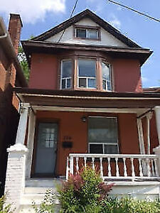 McMaster Student House for Rent - Includes TV, Maid cleaning and