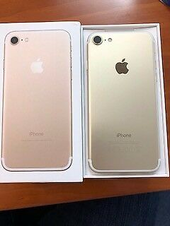 Iphone 7 Gold 128GB Unlocked 1 year old mint condition - boxed , Charger and headphones all included