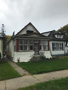 5E//Winnipeg/Very affordable starter home