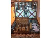 Traditional Wicker Picnic Basket - never used