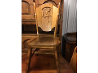 Dining Chairs – Four lovely dining chairs with lion carved back