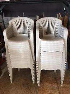 Plastic patio chairs & 4 tables