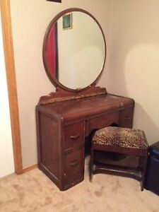 Antique Dressing Table w bench