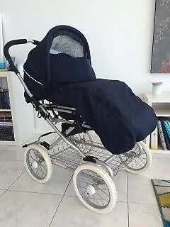 Emmaljunga Coronado with Bassinet & Toddler Seat - Mint Condition