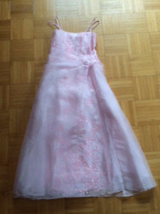 Robe rose pour occasion spéciale - taille 12