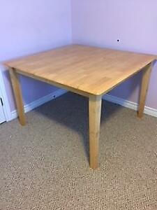table (maple)