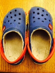 Boys Lego Crocs -lined; really good condition; Size 10-11