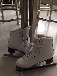 Size 2 Women's Great Condition Figure Skates