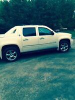 2013 Chevrolet Avalanche Pickup Truck