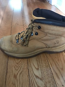 Timberland boots lightly used Men's size 11.5