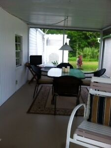 $149,900 NAPLES WATERFRONT-WEST OF US41 ON THE COCOHATCHEE RIVER Windsor Region Ontario image 3