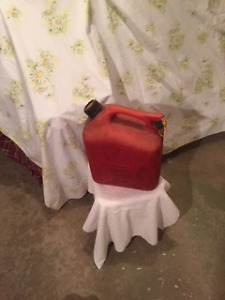 2.5 gal gas container