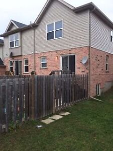 Lovely 3BR Townhouse in GREAT NEIGHBORHOOD for rent. Kitchener / Waterloo Kitchener Area image 3