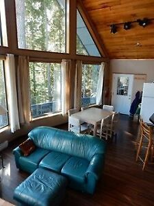 Shared Bedroom in spacious, alpine home - Sept & Oct