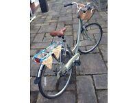 Ladies vintage look Raleigh bike, Excellent condition