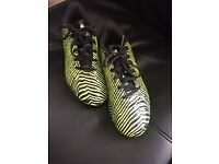 Adidas Football Boots size 5.5 with moulded studs in excellent condition!