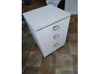 White 3 drawer cabinet