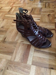Womens sandals, shoes and boots for sale.. best offer!