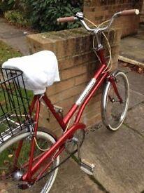 LADIES BICYCLE - EXCELLENT CONDITION