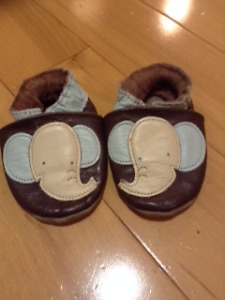 Robeez elephant baby shoes size 0-6 months $5