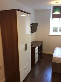 available now- modern en-suite room- L3 Liverpool- City Centre Location
