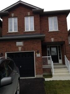 Three Bedroom FULL House (BRADFORD, ONTARIO)