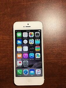WHITE 64GB IPHONE 5 NO SCRATCHES