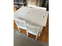 Children table with storage space 60 x 90 x 60 cm with 4 chairs