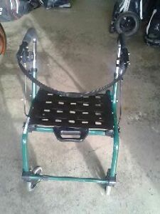 (4) Wheel Lightweight Folding Rollator
