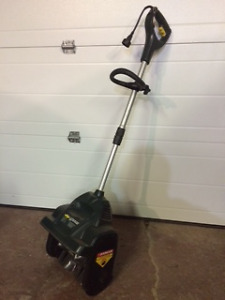 Electric Snow Shovel by Yardworks