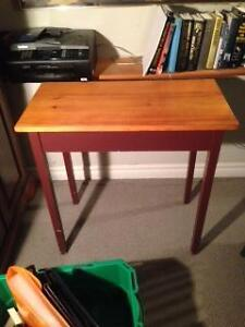 Side pine table.