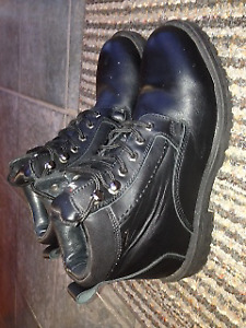 Waterproof leather  winter snow boots size 10