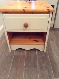 PINE BEDSIDE DRAWER UNIT (FARROW & BALL PAINTED)