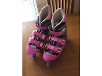 Roller Blades - Size adjustable from size 5 to 8